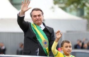 Bolsonaro desfile menino