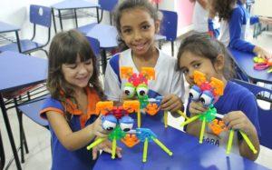 crianças brinquedos exposição Misto Brasília