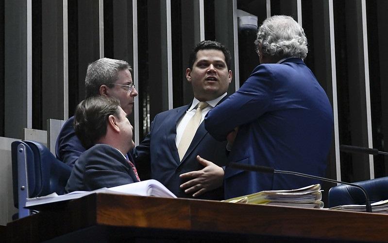 Alcolumbre responde a Bolsonaro sobre sabatina de André Mendonça
