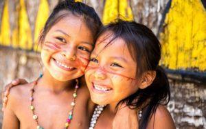 Índios crianças
