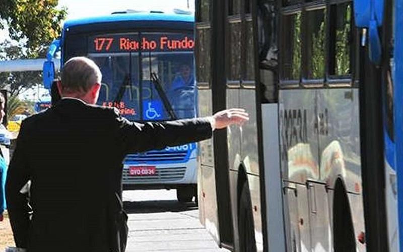 Parada de ônibus DF