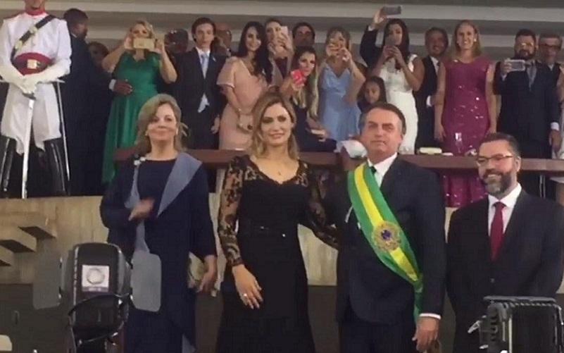 Michelle Bolsonaro posse de Bolsonaro