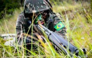 Exército soldado camuflado