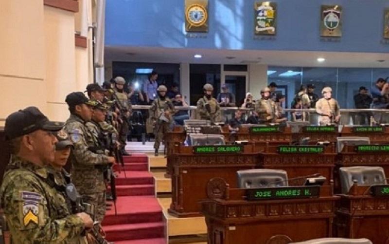 El Salvador Exército na Suprema Corte