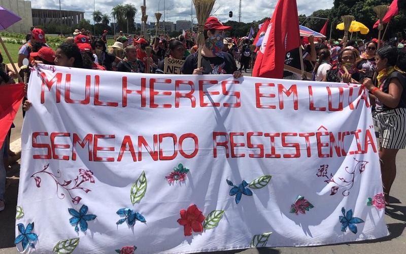Manifestação de mulheres