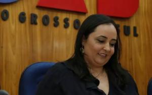 advogada Carolina Louzada Petrarca