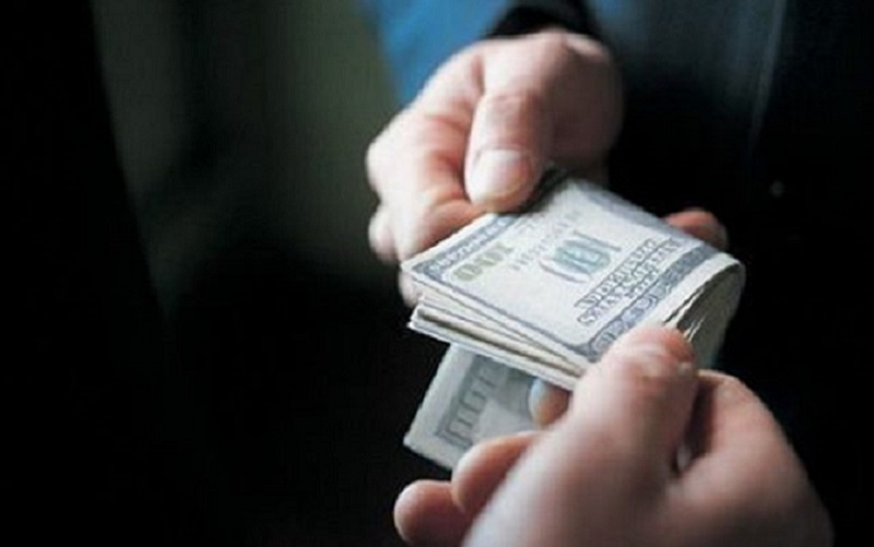 Dólar em queda e mercado financeiro tem leve recuperação