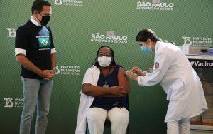 Enfermeira SP vacinada