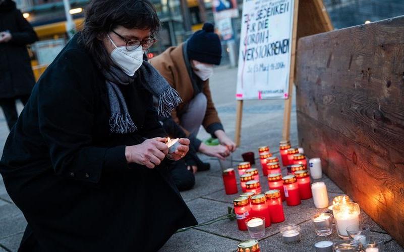 Celebração nacional homenageia mortos da Covid na Alemanha