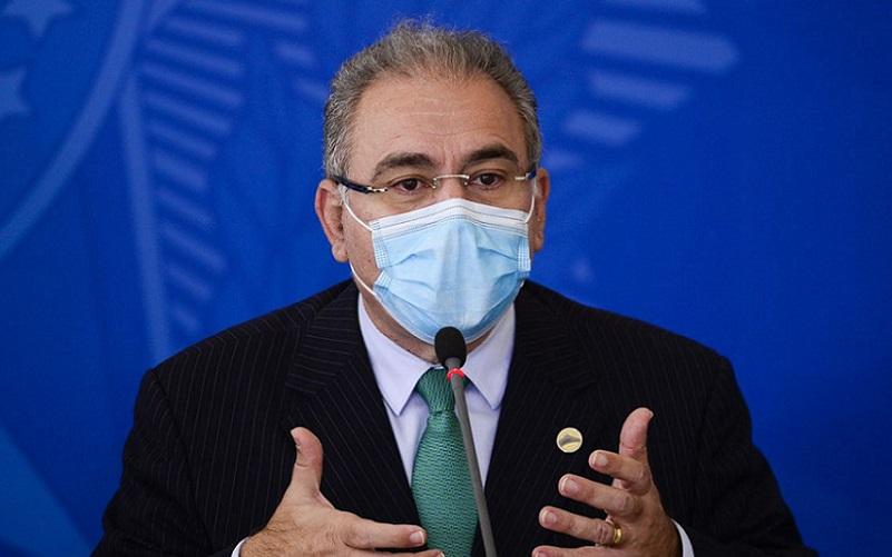 Ministro Queiroga admite problema com remédios e vacinas vencidas