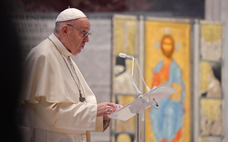 Papa proíbe missas com rito antigo (tridentino) e em latim
