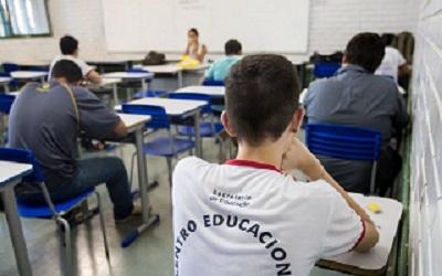 Política de universalização da internet em escolas passa a ser lei