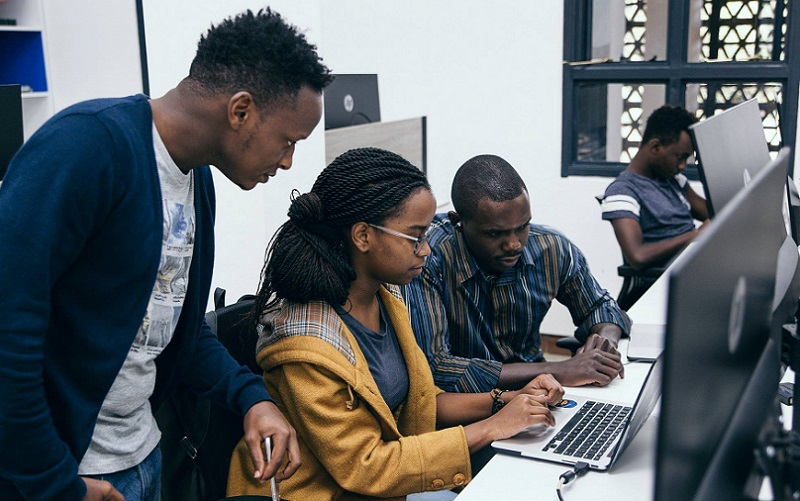 Projeto cria vagas para jovens do DF transformar ideias em startups