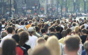 Pessoas aglomeração pandemia