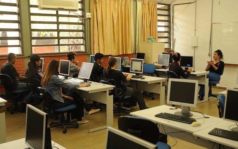 Governo distrital abre 4,4 mil vagas para educador social voluntário