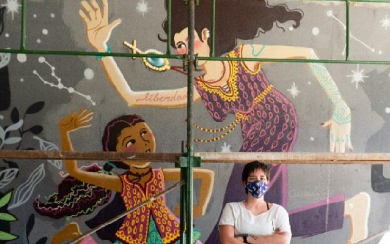 Iasmim Kali é grafiteira em Planaltina e participa da onda de arte que deixa Brasília bem mais colorida/Gustavo Santana