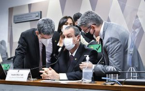 Senadores Randolfe Rodrigues, Omar Aziz e Alessandro Vieira Misto Brasília