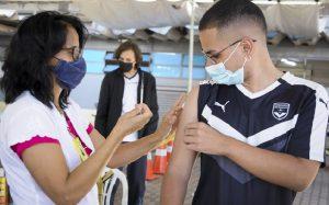 Adolescente vacina Covid-19 DF Misto Brasília
