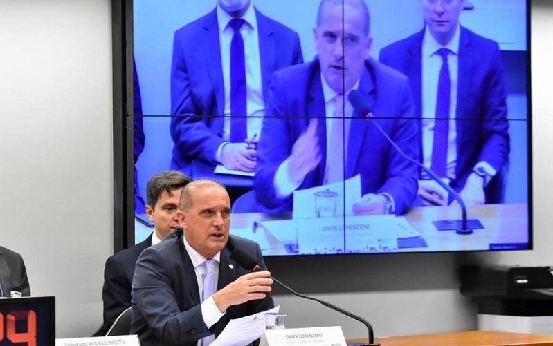 """Ministro Onix Lorenzoni diz que cabe ao STF colocar o """"trem nos trilhos"""""""