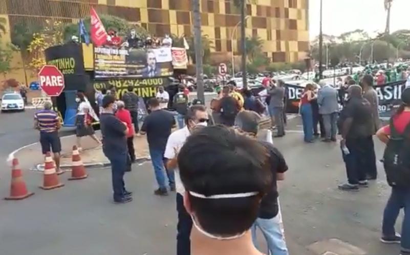 Servidores protestam contra a PEC 32 da reforma do setor público
