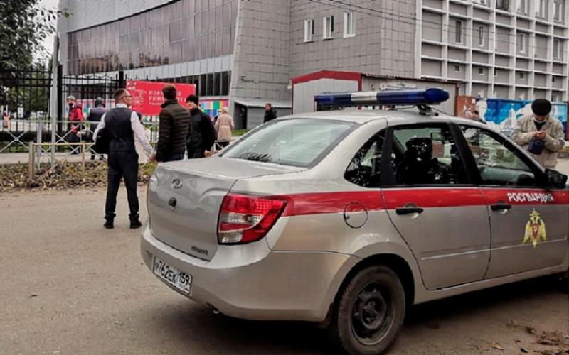 Tiroteio em universidade da Rússia faz pelo menos oito mortos