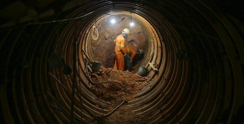 Obra construção de túnel Vicente Pires DF