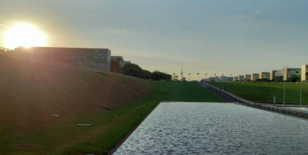 Esplanada dos Ministérios pôr do Sol Misto Brasília