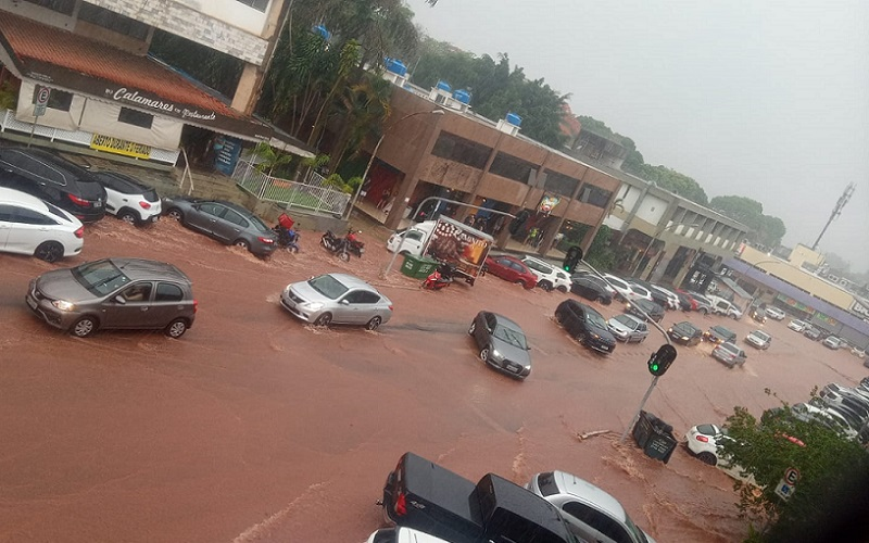 Alagamento 402 Norte DF Misto Brasília