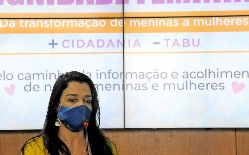 Giselle Ferreira é a secretária de Esporte e Lazer e acompanhou a doação de 11 mil absorventes para escolas públicas/Lúcio Bernardo Júnior/Agência Brasília